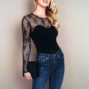 NWOT Gorgeous and Sexy Top With Lace size Large